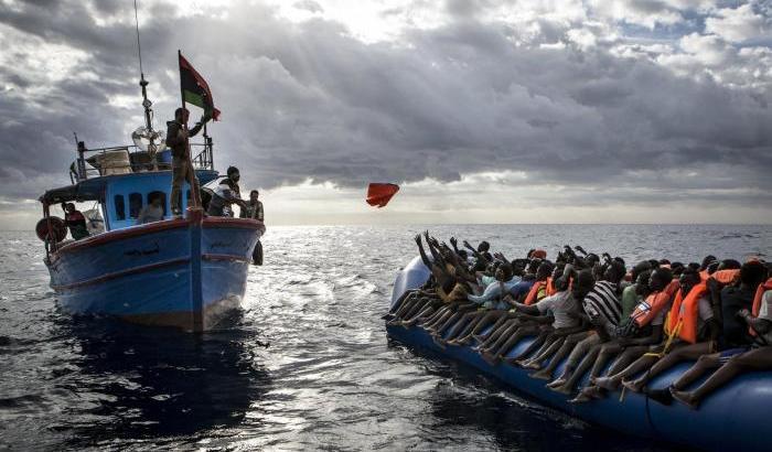 Quindici naufraghi muoiono al largo della Libia dopo un'agonia di 11 giorni senza bere