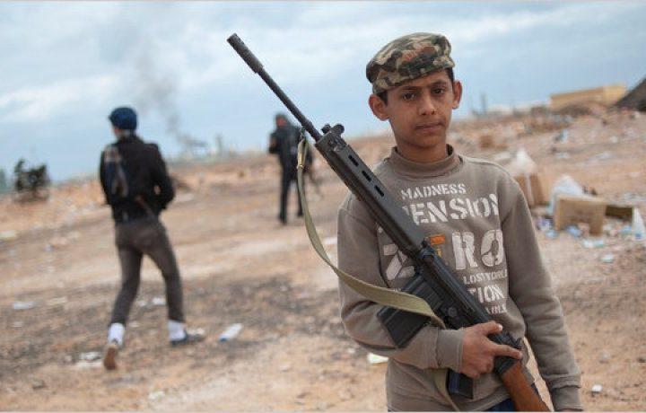 In Libia, combattono anche i bambini