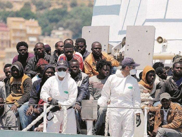Le migrazioni ai tempi del Coronavirus. In aumento il trend dei contagi in Africa (+326) e in diminuzione gli sbarchi in Europa (18.717)