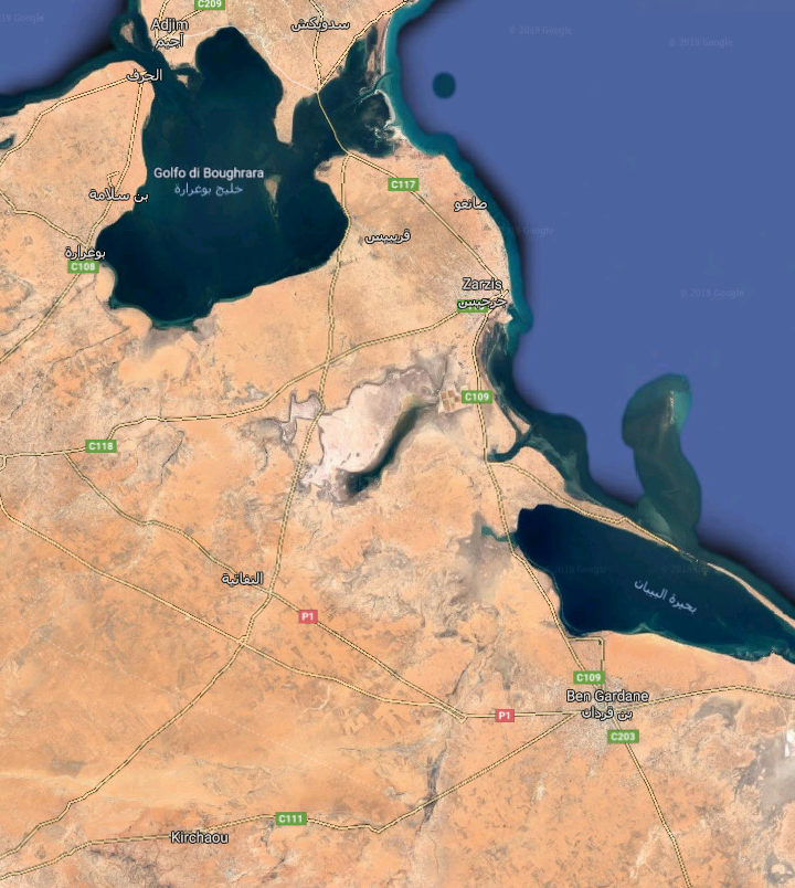 Médenine, Tunisia – I rifugiati sperano di lasciare il Paese