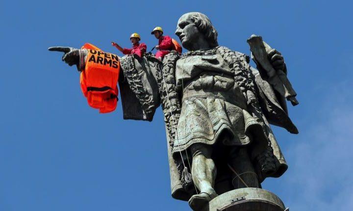Barcellona città rifugio per i migranti apre il porto a Open Arms