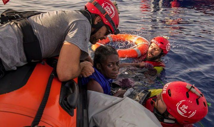 Omissione di soccorso o naufragio? Sopravvive solo una donna