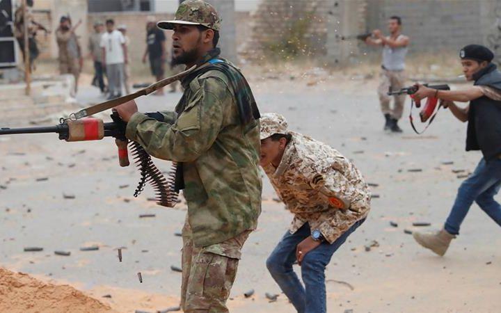 La Libia tra bombardamenti e traffici d'armi