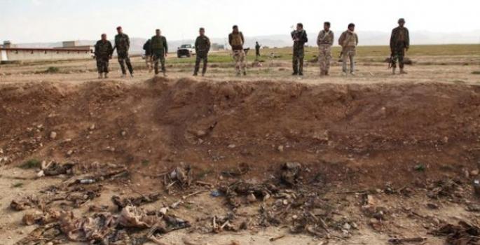 Libia: 143 cadaveri nelle fosse comuni. Ed intanto l'Egitto prepara l'invasione