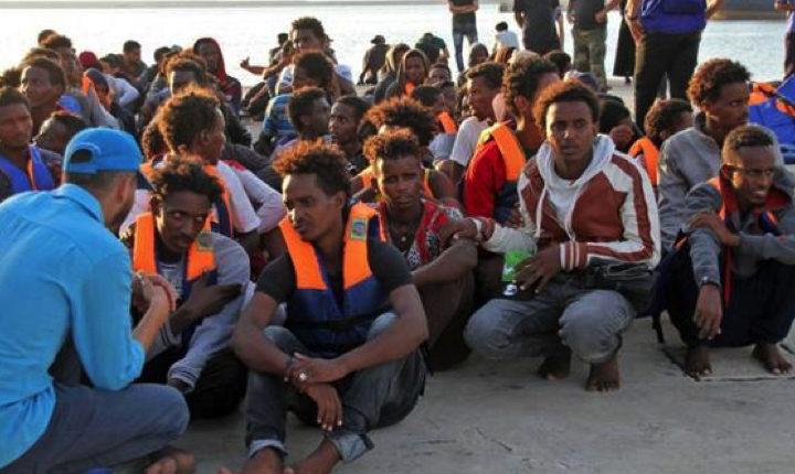 Lì dove i profughi iniziano la traversata: Tripoli in mano a quattro milizie