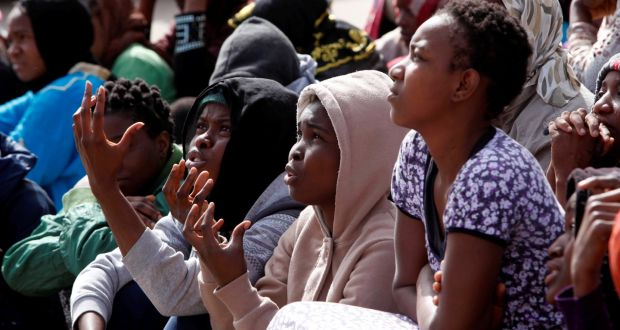Nessuna e nessuno scampa allo stupro. Nei centri libici l'impunità dei carcerieri è la regola