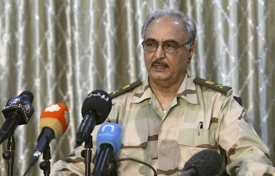 """Libia, il pizzino del rais che è un monito all'Italia: """"Roma invia armi a Serraj"""""""