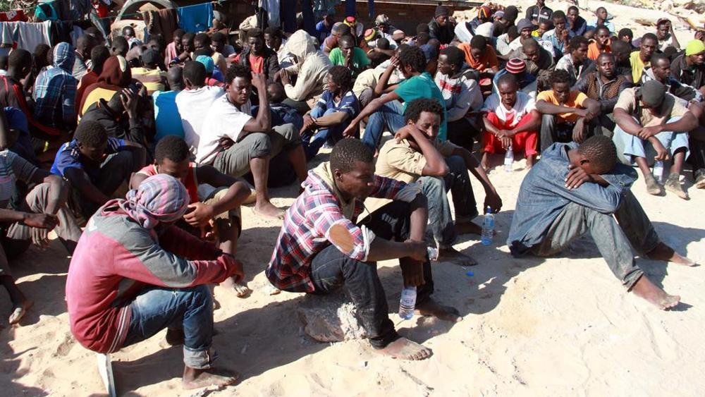 Libia, nella roccaforte degli scafisti dove inizia l'inferno dei migranti